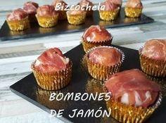 Cada bocado de estos bombones de jamón es toda una delicia. Compruébalo preparándolos gracias a esta receta del blog RECETAS Y A COCINAR SE HA DICHO.
