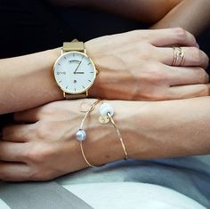 Your wrist just found its new best friend - The Awristacrat   Gold Case Nude Band 40mm, $119.95 (http://www.arvowear.com/the-awristacrat-gold-case-nude-band-40mm/)