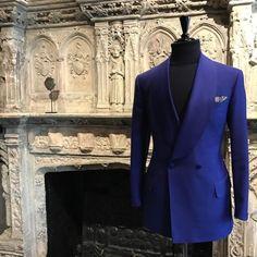 Manolo Costa New York Dress Suits For Men, Men Dress, Floral Suit Men, Double Breasted Suit Men, Blazer Outfits Men, Black Suit Men, Classy Suits, Designer Suits For Men, Tuxedo For Men