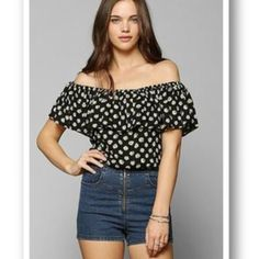 MICHAEL KORS OFF THE SHOULDER PEASANT RUFFLED TOP Super cute top with a ruffled off the shoulder look. Can be worn tucked in or out with shorts, white jeans or skirts. Used once. Like new except for a few minor snags that are not noticeable they are in the ruffled part on right shoulder area. Please see pictures. Stock picture it's only for a look and fit idea. MICHAEL Michael Kors Tops