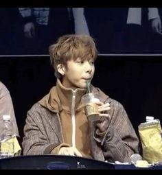 this iconic memeforever be remembered hyungwon hyungwonmeme hyungwonie chaehyungwon chaebugi monstax meme monsta_x monstagram monstaxmonbebe monbebe monbebeforever monbebemalaysia kpopmemes kpop kpopvideo kpopcutecatwalk Kihyun, Monsta X Hyungwon, Funny Kpop Memes, Bts Memes, Funny Texts, Got7 Jackson, Jackson Wang, Meme Faces, Funny Faces