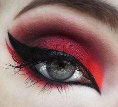 Gorgeous Makeup: Tips and Tricks With Eye Makeup and Eyeshadow – Makeup Design Ideas Edgy Makeup, Eye Makeup Art, Dark Makeup, Eye Makeup Tips, Cute Makeup, Pretty Makeup, Gothic Eye Makeup, Makeup Ideas, Makeup Brush
