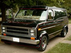 This is my famed Shaggin Wagon! If This Vans A Rockin'. Shaggin Wagon Front And Side Ford Econoline Van, Gmc Vans, Old School Vans, Rat Look, Vanz, Cool Vans, Military Guns, Custom Vans, Ford Trucks