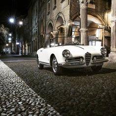 alfa romeo classic cars for sale uk Alfa Romeo Giulietta Spider, Alfa Romeo Spider, Alfa Romeo Giulia, Vintage Cars, Antique Cars, Convertible, Pretty Cars, Alfa Romeo Cars, Cabriolet