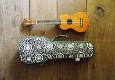 soprano ukulele case Black and White Ukulele Bag von cherijame