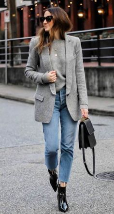 schöne Winter-Office-Outfits mit Jeans - Oz - - schöne Winter-Office-Outfits mit Jeans - Oz Best Picture For Blazer Outfit 2019 For Your Taste You are looking for something, and Outfit Jeans, Blazer Outfits, Jean Outfits, Grey Blazer Outfit, Sweater Outfits, Jeans Dress, Simple Winter Outfits, Casual Fall Outfits, Cool Outfits