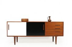 :: Design furniture 50s 60s 70s Bauhaus & Unique 20th century Stuff ::