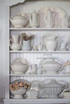 FRENCH COUNTRY COTTAGE: A Collection of Whites