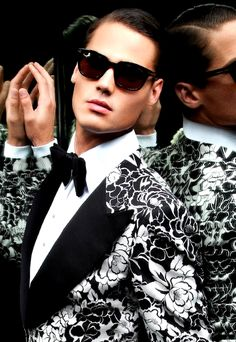 Joost Van Der Hulst for Tom Ford Spring Summer 2011 Eyewear Campaign Dandy, Looks Style, My Style, Tom Ford Eyewear, Ray Ban Sunglasses Sale, Ray Ban Outlet, Men's Fashion, Club Fashion, High Fashion