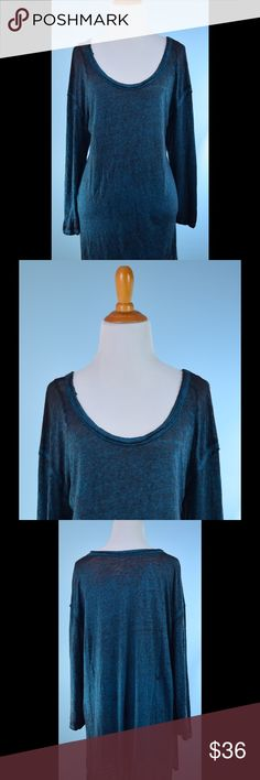 WE THE FREE turquoise gray tunic top LARGE WE THE FREE/ FREE PEOPLE turquoise blue gray Stretch tunic top LARGE , side slits, raw edge Detail, fab!! Length 31 inches, bust 46 inches Free People Tops