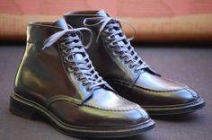 Alden Norwegian split toe boots #8 shell cordovan leather, commando soles.