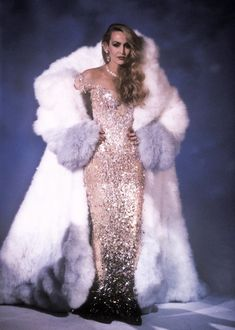 Jerry Hall, Fur Fashion, Runway Fashion, High Fashion, Fashion Show, Fashion Design, Lady Gaga, Nadja Auermann, Fabulous Furs