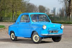 <b>1958 Vespa 400 First Series Transformable  </b><br />Chassis no. 8252 <br />Engine no. 18258