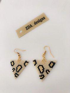 Miyuki Beaded Dangle leopard earrings for women designed by ZDA, Miyuki earrings for gift, animal earrings - Animals Tiny Stud Earrings, Seed Bead Earrings, Simple Earrings, Women's Earrings, Earrings Online, Simple Jewelry, Flower Earrings, Statement Earrings, Jewelry Ideas