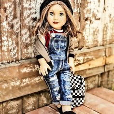 dolls Eden is on her way to meet with friends. Don't you just love a great entrance way to make an impact. Original American Girl Dolls, American Girl Doll Room, Ropa American Girl, American Girl Furniture, Custom American Girl Dolls, American Girl Doll Pictures, American Doll Clothes, Girl Doll Clothes, Barbie Clothes