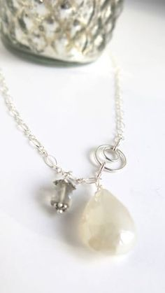 Primped Pearl Necklace