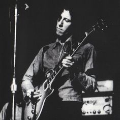 Peter Green playing the 1959 Gibson Les Paul guitar