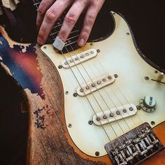 You are in a Music Band, playing Guitar, Drums, or just interested in Vintage Marhsall Amps, Gibson or Fender Vintage guitars? Check our Page and Create your Stageplot or Techrider for your Concert Online. Stratocaster Guitar, Fender Guitars, Custom Electric Guitars, Custom Guitars, Fender Vintage, Vintage Guitars, Fender Relic, Beautiful Guitars, Guitar Design