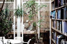 renzo piano building workshop studio visit designboom. renzo piano working in his office image © daniele de carolis