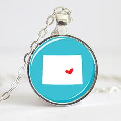 Colorado Necklace Pendant, Colorado Pendant, State Photo Pendant Do this but put hearts at each town we visited and connect them Texas Necklace, Jewelry Accessories, Unique Jewelry, Diy Fashion, Pocket Watch, Montana, Kentucky, Minnesota, Coin Purse