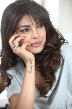 Priyanka Chopra Deepika Padukone, Sonam Kapoor, Priyanka Chopra Hot, Hollywood Heroines, Indian Star, Most Beautiful Indian Actress, Beautiful Gorgeous, Celebs, Celebrities