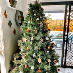 Natalie Williams (@natalie.a.williams) • Instagram photos and videos Natalie Williams, Christmas Tree, Photo And Video, Holiday Decor, Videos, Photos, Instagram, Home Decor, Style