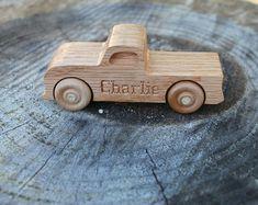 Juguete de madera carro vehículo todoterreno por woodentoystudio
