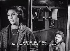 Rosetta (Madeleine Fisher) ziet het leven niet meer zitten in Le amiche. Haar vriendin Clelia (Eleonora Rossi Drago) probeert haar nog op andere gedachten te brengen.