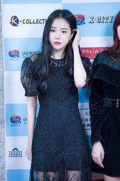 Son Na Eun Apink❤181207 Apink Naeun, Son Na Eun, Perfect Figure, Beautiful Asian Girls, Ulzzang Girl, Asian Beauty, Natural Beauty, Asian Woman, Fashion Dresses