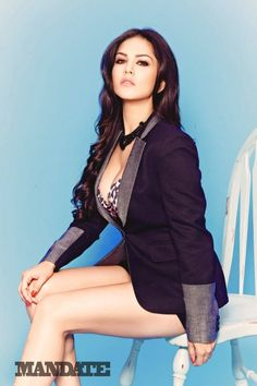 Sunny Leone wiki, Biography, Photos, facts about sunny leone that may surprise us. Sunny Leone is first Indian adult film star in Bollywood. Photoshoot Images, Black Suits, Hottest Photos, Sexy Legs, Sexy Dresses, Sunnies, Desi, Hot Girls, Celebs