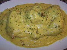 Esta receta es de Cece  del foro de la chefo  de Mundorecetas . Tenéis  que probar esta receta, la cebolla no deja que la salsa quede demasi...