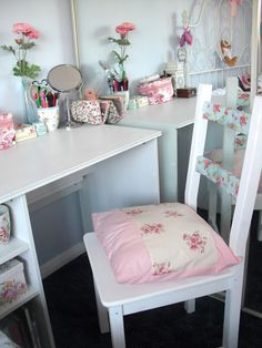 Victoria's Vintage - Fashion, Beauty & Lifestyle Blog: New Furniture and My Shabby Chic Bedroom Tour.. ♥