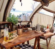 """#camp #camping #ig_japan #outdoor #instagramjapan #キャンプ #アウトドア #cafe #カフェ #キッチン * * 2017.3.21 * * おはようございます(﹡ˆᴗˆ﹡) * * 海を見ながらのキッチンはお料理もはかどるー(*≧艸≦) * * レイサスペリオールはこの窓がいろんなロケーション映し出してくれるのが素敵(*≧▽≦)ノシ)) * * 連休明けの雨テンションさがりますが<span class=""""emoji emoji2614""""></span>️今日も頑張りましょう〜〜(*≧▽≦)ノシ)) * * #4月15日発売 #おしゃれソトごはん #アマゾン予約受付中 #たくさんの方々にご予約いただきありがとうございます(﹡ˆᴗˆ﹡) #予約受付開始からアマゾンアウトドアクッキング部門でベストセラー1位になってます<span class=""""emoji emoji1f60a""""></span><span class=""""emoji emoji1f60a""""></span><span class=""""emoji… Camping Style, Diy Camping, Camping Gear, Bell Tent, Campsite, Glamping, My House, Picnic, Table Decorations"""