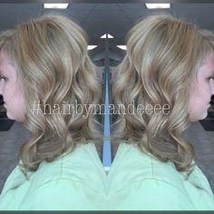 Dimensional Blondie. #hairbymandeeee #redken #redkenobsessed #styleyourstory #behindthechair #flashlift #blondeidol #cilantrohairspa