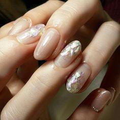 nailist ShinaさんはInstagramを利用しています:「1本だけキラキラ✨✨✨ #nail #nailist #nailart #naildesign #nails #nailartlover #jel #jelnail #ネイル #ネイルデザイン #ネイルアート #ジェルネイル #ジェル #美甲 #秋ネイル #shell…」 Bridal Nails, Wedding Nails, Office Nails, Colorful Nail Designs, Cool Nail Designs, Acrylic Nails, Gel Nails, Acrylics, Love Nails