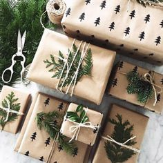 Last minute Christmas Gift Wrapping Ideas using twine Christmas Gift Wrapping, Diy Christmas Gifts, Holiday Gifts, Christmas Decorations, Christmas Packages, Santa Gifts, Holiday Photos, Noel Christmas, Winter Christmas