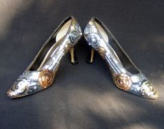 AMANDA SMITH Pumps, Gold & Black Sequin Swirl Leather outsole, Glitz Pumps 8B #AmandaSmith #PumpsClassics #BridalorWeddingPartyEvening