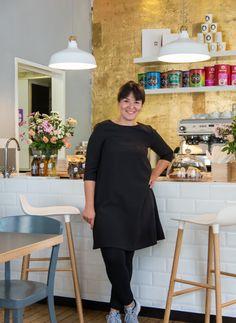 """Cafe-Besitzerin Violetta Dinova (Kieztörtchen) aus den """"Sugar Girls"""" von Jana Henschel und Meike Werkmeister © Ulrike Schacht"""
