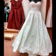 New Wedding dress Camellia Brand name: Watters Never worn gorgeous sweetheart neckline ivory wedding dress Watters  Dresses