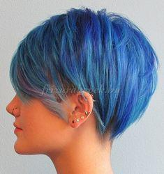 felnyírt női frizurák - felnyírt frizura kék hajszínnel