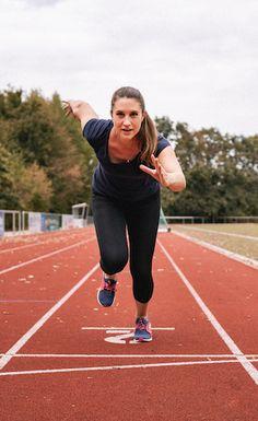 Das richtige Training für einen Halbmarathon hat meine Zeit deutlich verbessert. Meine einfachen Tricks erfahrt ihr im Blog! Play Hard, Tricks, Work Hard, Fitness, Blog, Running Half Marathons, Working Hard, Keep Fit, Rogue Fitness