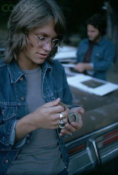 Gerry Beckley w/ a small reptile.