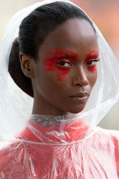 Red Makeup: 5 Ways to Wear the Classic Color This Fall - You don't need to be Van Gogh to go crazy with a brush. Tap into your elementary school art skill - Red Makeup, Makeup Art, Makeup Looks, Hair Makeup, Full Makeup, Matte Makeup, Makeup Eyes, Crazy Makeup, Beauty Make-up