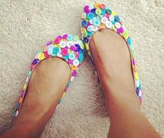 Sapato de botões de roupas