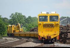 Net Photo: HZGX 21200 Herzog Railway Services Herzog Tie Train at Marshall, Virginia by Robert Butler Network Rail, Rear Ended, Locomotive, Scale Models, Bridges, Butler, Planes, Boats, Virginia