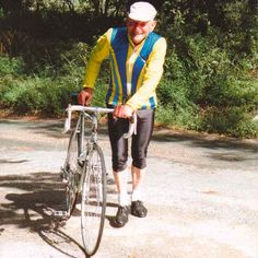 100-year-old cyclist takes to Tour de Yorkshire route...: 100-year-old cyclist takes to Tour de Yorkshire route… #TourdeYorkshire2016
