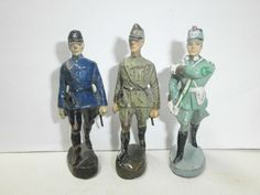 Konvolut 3 alte Hausser Elastolin Massesoldaten Polizisten Fahnenträger 7.5cm | eBay