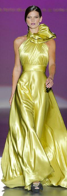 Hannibal Laguna Spring-summer 2013 - Ready-to-Wear Fashion Mode, Look Fashion, Couture Fashion, Runway Fashion, High Fashion, Red Fashion, Beautiful Gowns, Beautiful Outfits, Mode Glamour