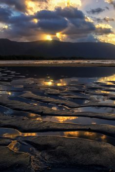 sundxwn:  Kewarra Beachby Paul Emmings