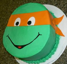 TMNT cake....but with blue for leo
